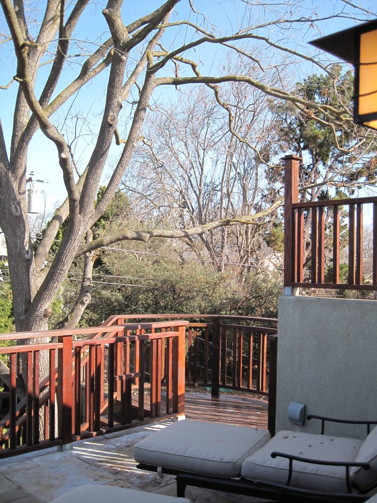 Inspiration for a mid-sized rooftop deck remodel in San Francisco with no cover