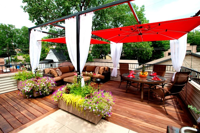 Small chicago garage rooftop contemporary deck for Rooftop deck design ideas