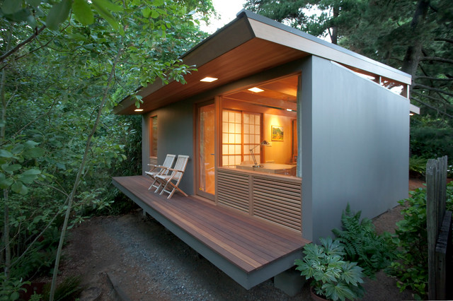 Small Remote Guest House Studio Contemporary Deck
