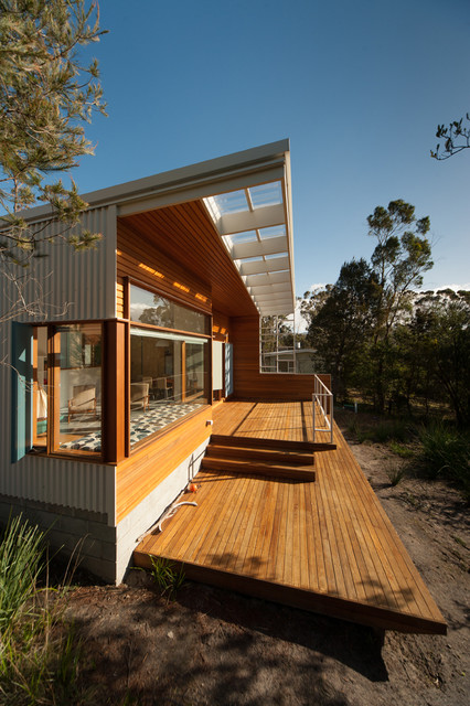 Southern tasmanian beach house contemporary deck for Beach house designs tasmania