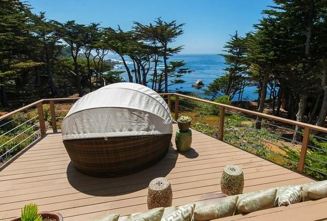 Spindrift Splendor on the Sea modern-patio