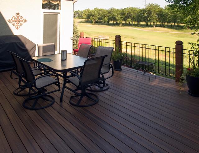 Sullivan - Envision composite deck in Kansas City traditional-deck