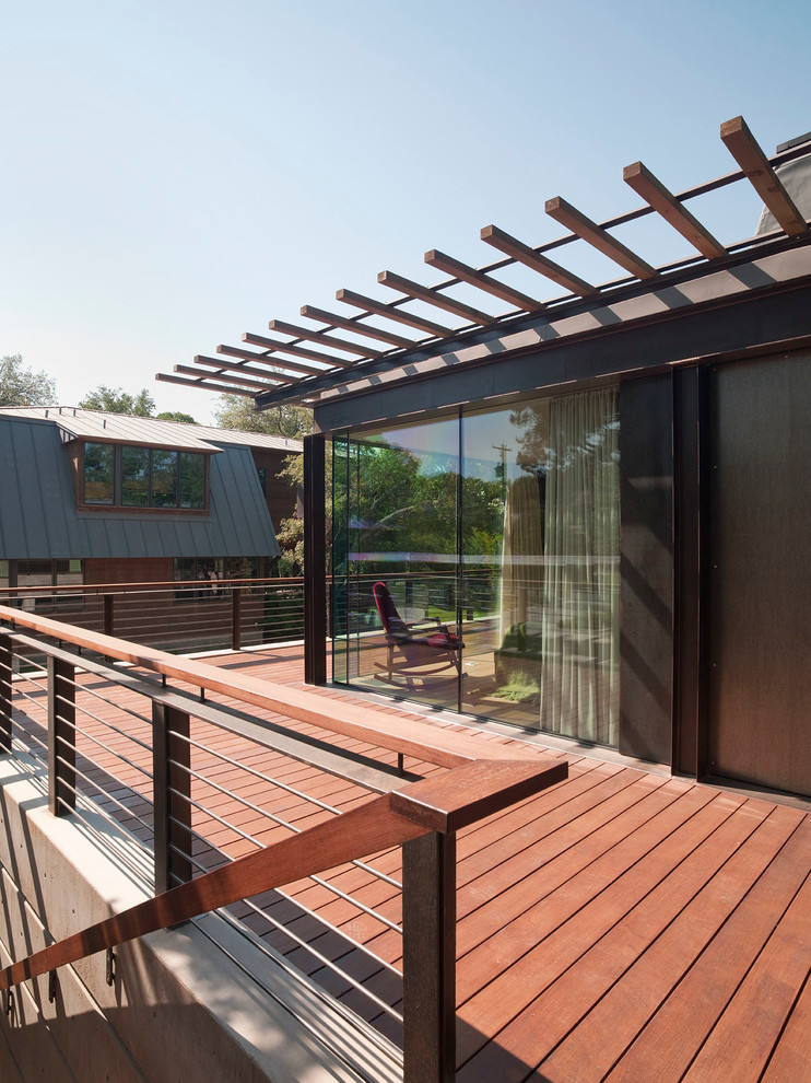 Deck - mid-sized contemporary backyard deck idea in Austin with no cover