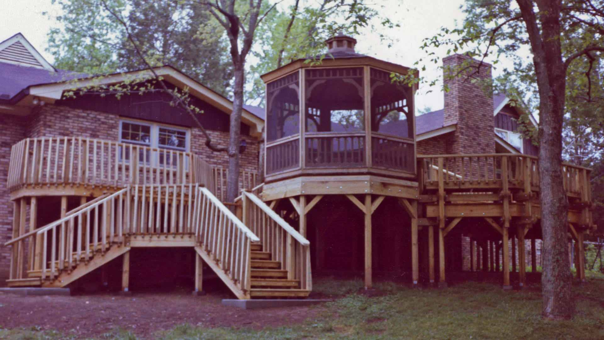 Tennessee Deck