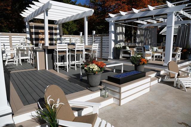 the beach club deck bord de mer terrasse en bois toronto par paul lafrance design. Black Bedroom Furniture Sets. Home Design Ideas