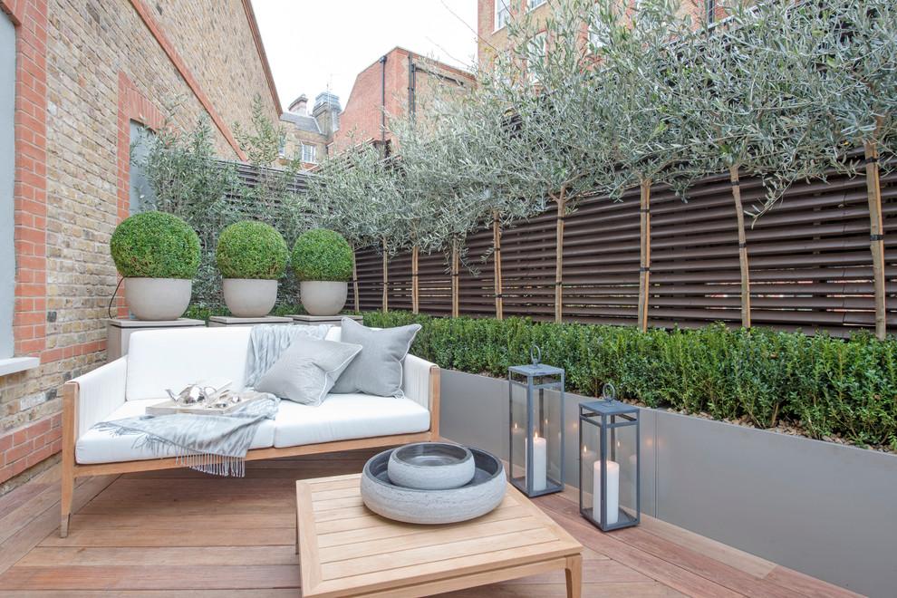 Deck - small contemporary backyard deck idea in San Francisco