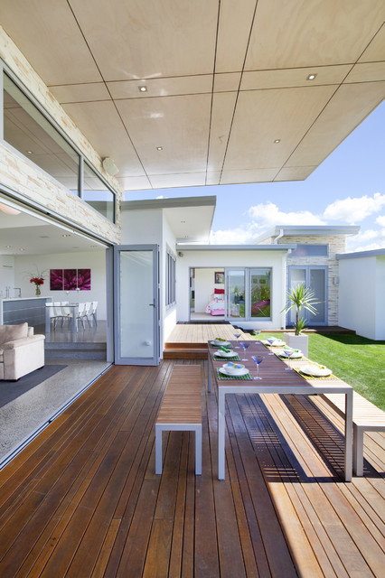 The Lake House - Creative Space Architectural Design modern-deck