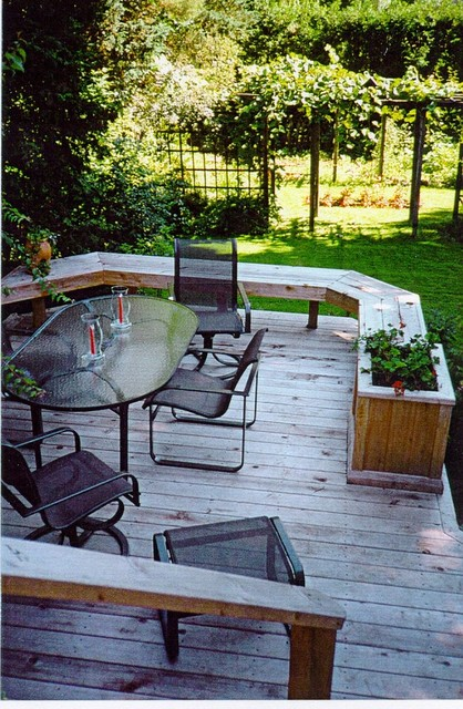 Toronto area Renovation Designs traditional-deck