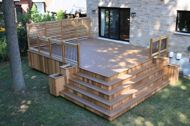 Merveilleux Example Of A Classic Deck Design In Montreal