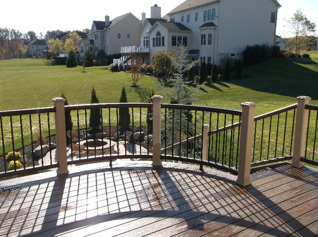 Trex transcend spiced rum curved deck design traditional for Garden decking with rope