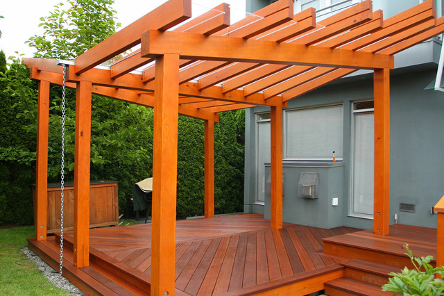 Example of a minimalist deck design in Vancouver - Vancouver Prefabricated Pergola & Deck - Modern - Deck - Vancouver