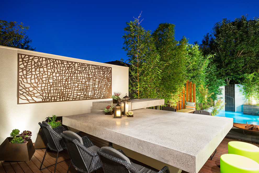 Inspiration for a contemporary backyard deck remodel in Melbourne with no cover