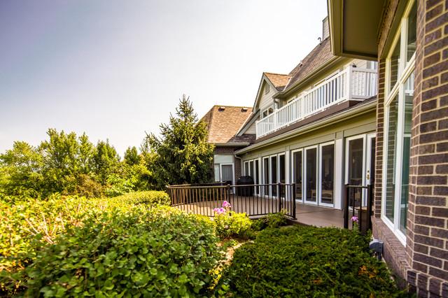 West Des Moines Outdoor Living Space Contemporary Deck