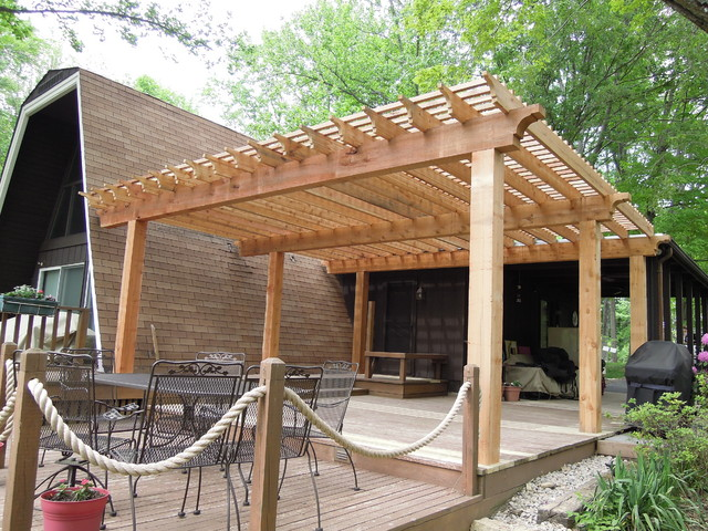 western red cedar pergola lake lorelei oh area rustikal terrasse cincinnati von thomas. Black Bedroom Furniture Sets. Home Design Ideas
