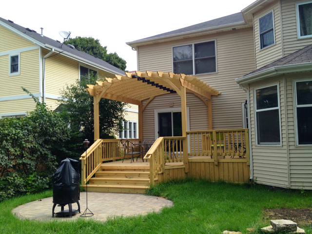 Wood Deck with Curved Pergola - Archadeck of Chicagoland - Classico - Terrazz...