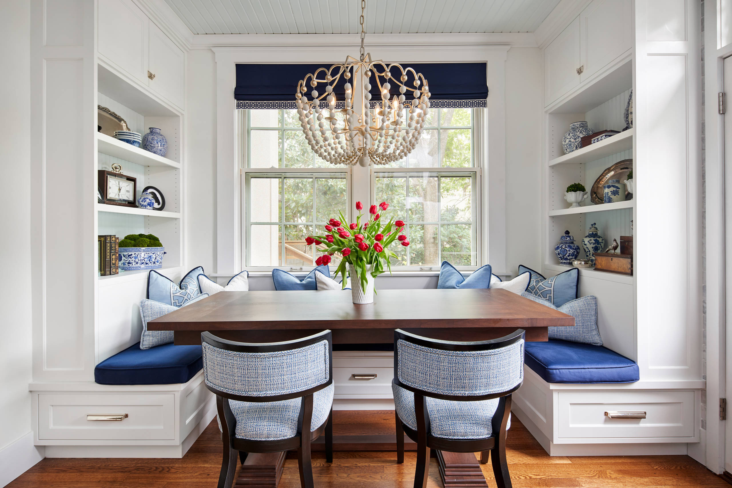 75 Beautiful Traditional Kitchen Dining Room Combo Pictures Ideas June 2021 Houzz