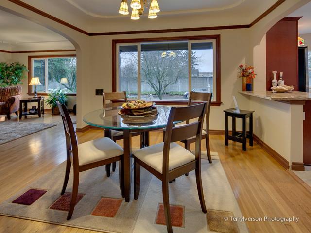 1933 portland craftsman home craftsman dining room for Portland craftsman homes