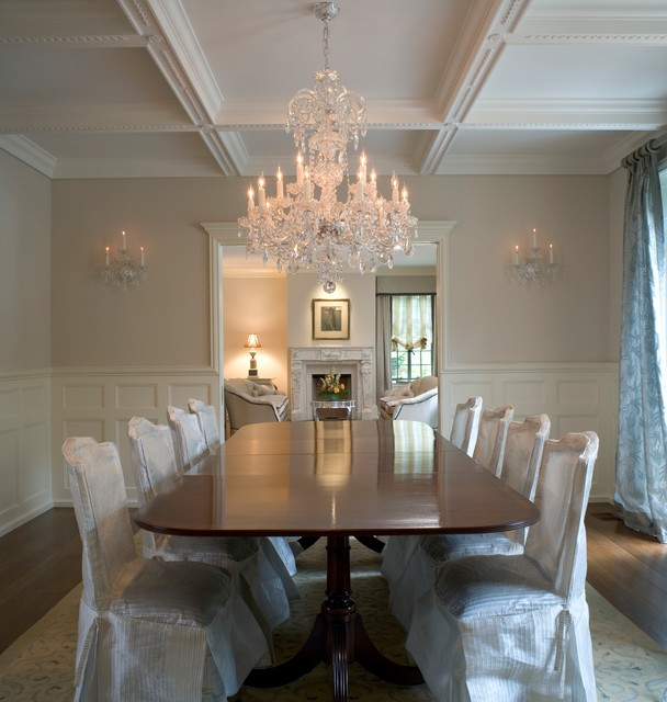 19th Century French Design Traditional Dining Room