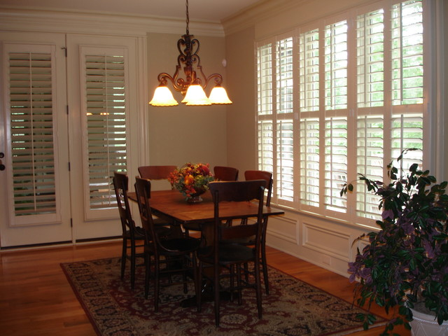3 5 louvered plantation shutters traditional dining for Southern plantation shutters