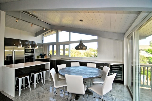 80 39 s beach house renovation fire island modern dining for Modern 80s house
