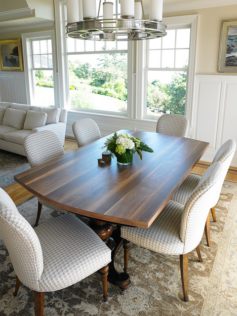 How wide is a dining room table