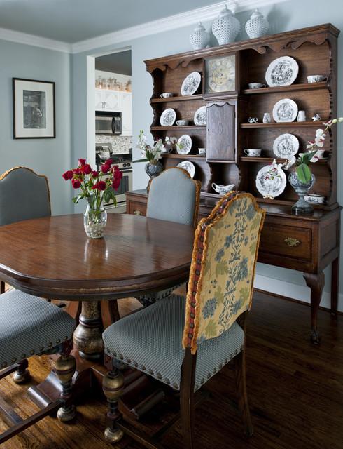 Addison Condo traditional-dining-room