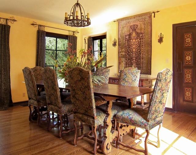 Alta Canyada mediterranean-dining-room