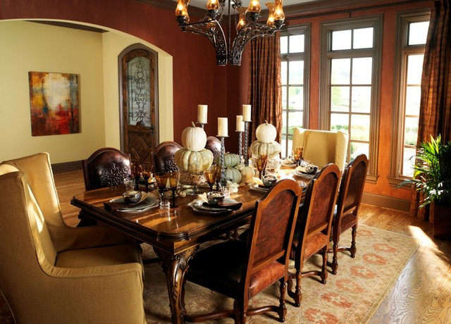 An english country style home traditional dining room for Traditional dining room decorating photos