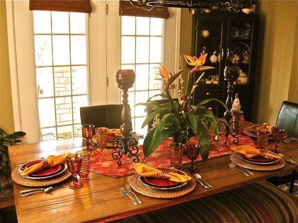 Anita Diaz tropical-dining-room