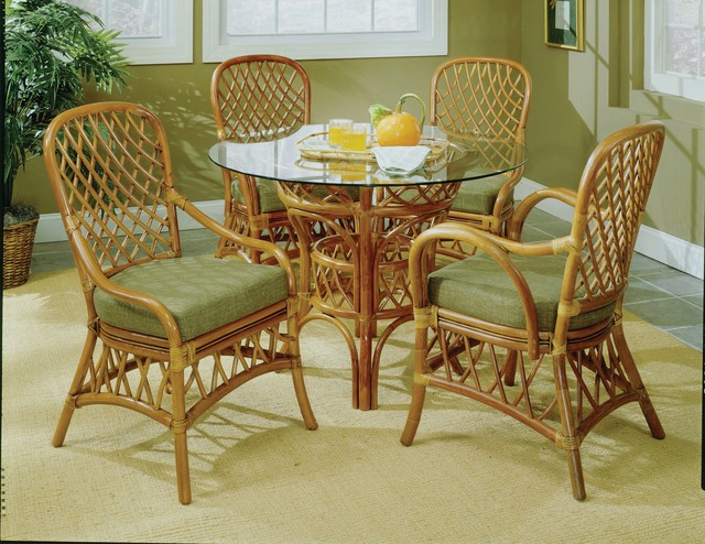 Dining room - beach style dining room idea in Raleigh