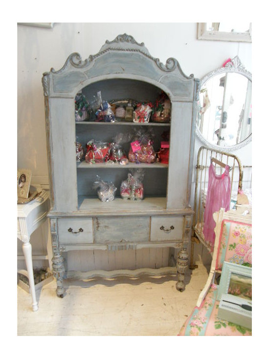 shabby chic painted furniture distressed design ideas pictures remodel and decor. Black Bedroom Furniture Sets. Home Design Ideas