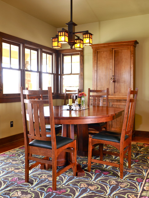 Arts and crafts cordillera ranch for Arts and crafts dining room set