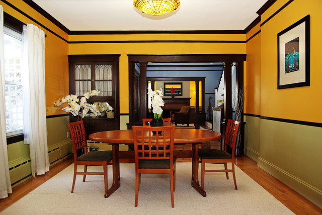 Arts and crafts home traditional dining room boston for Arts and crafts dining room set