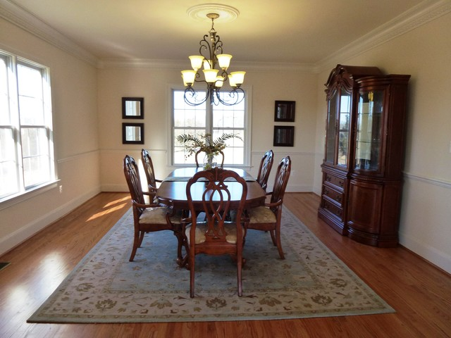 Ashburn occupied staging project in brambleton for The dining room leigh