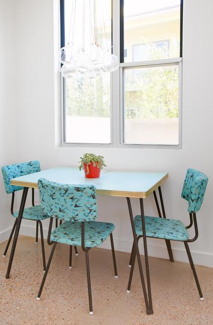 餐厅-蓝色-餐桌装修效果图