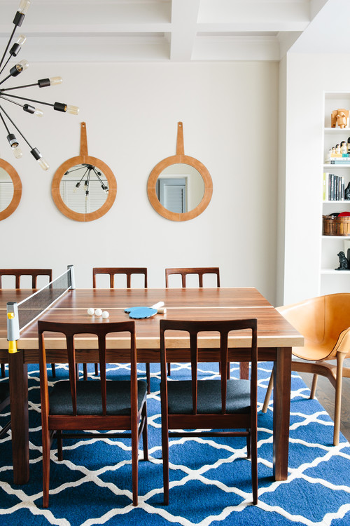 Avenues Family House: Dining Room (Ping Pong)