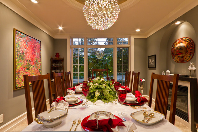 Ballet Kelowna Hot Holiday Homes! traditional-dining-room