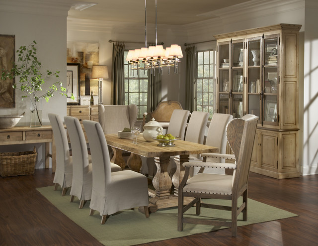 Barnwood dining room design for Dining room ideas traditional