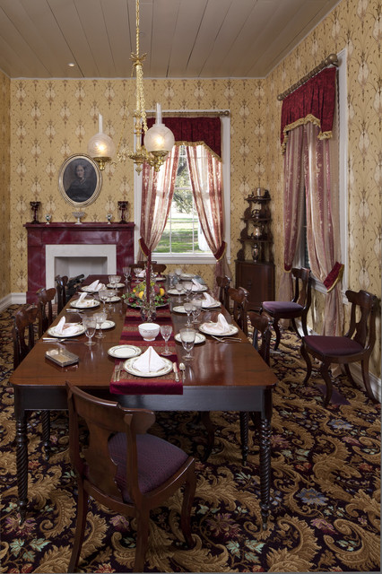traditional dining room by Volz O'Connell Hutson