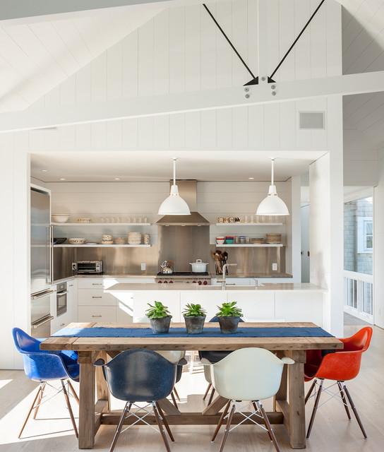 Coastal Themed Dining Room: Beach Style Dining Room
