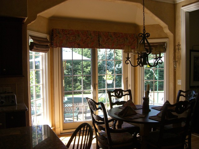 Bellemore Home traditional-dining-room