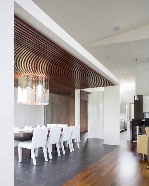 Bent/Sliced House modern-dining-room