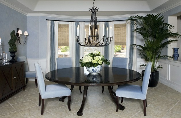 Blue white dining room dining room los angeles by for M dining room frankfurt