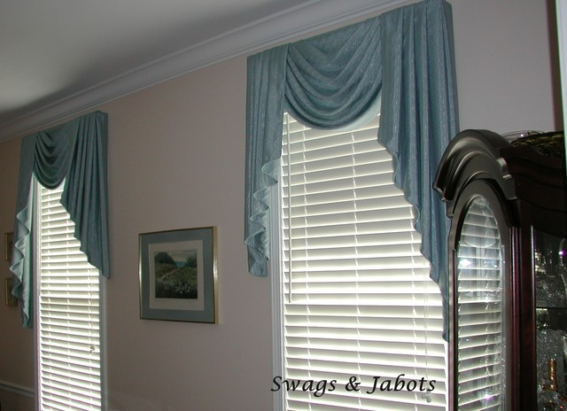 Board mounted valances traditional-dining-room