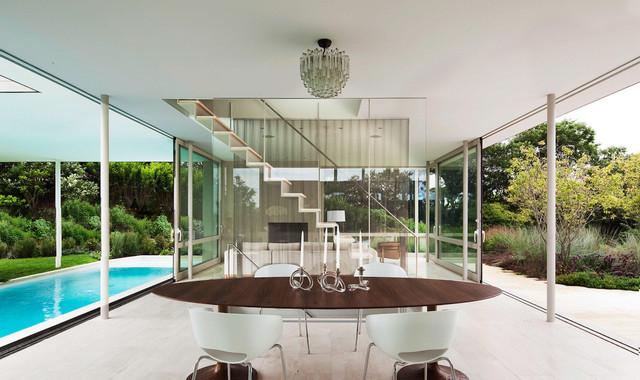 Bridgehampton modern-dining-room