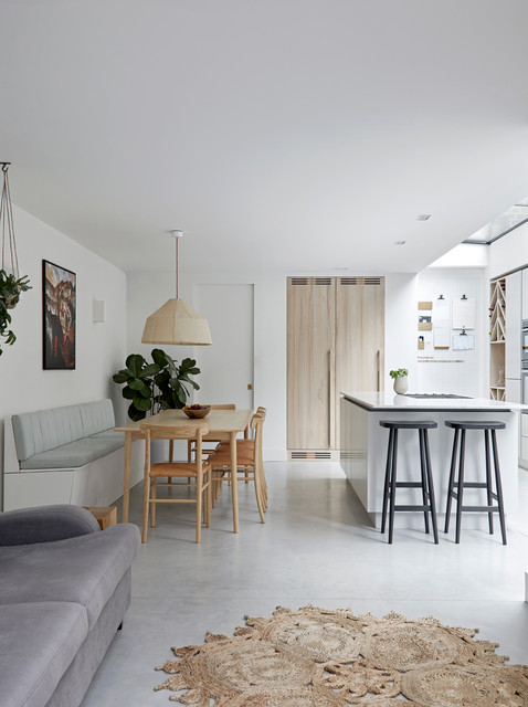 Houzz Tour: Natural Finishes Add Texture to a Calm London Home