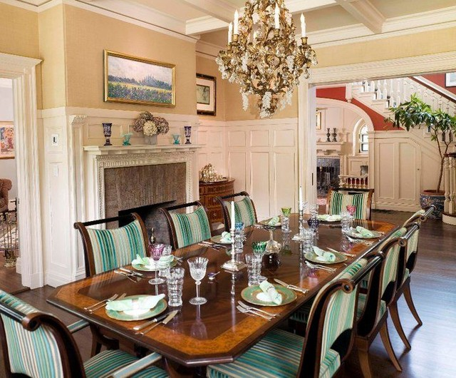 traditional dining room by Leslie Saul & Associates