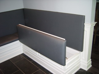 banquette bench seatting with hanglam decoration | Built-in banquette - Contemporary - Dining Room - Toronto ...