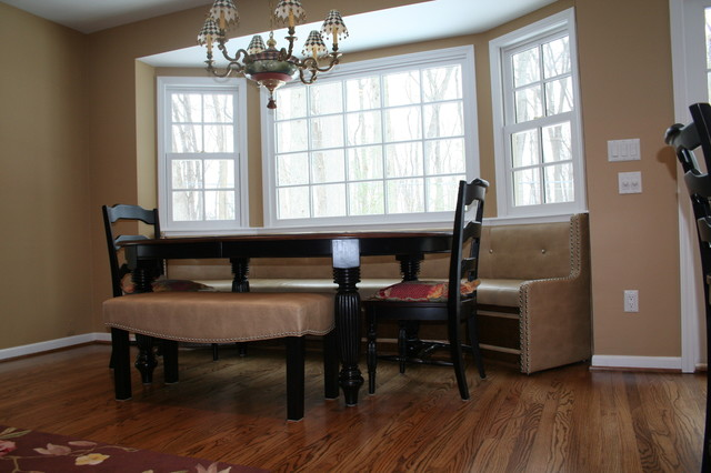 Built In Seating Traditional Dining Room