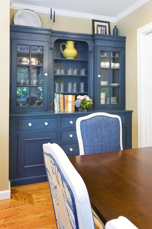 What Wall Color Would Compliment This Hutch/ Buffet When Itu0027s In A Room  With Off White Kitchen Cabinets